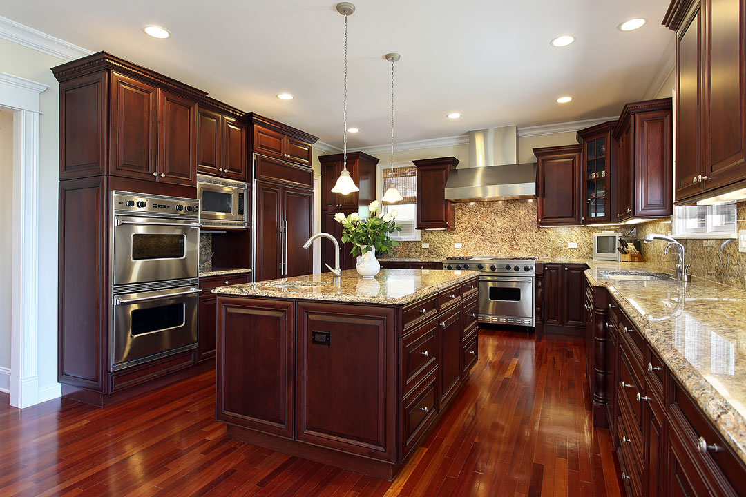 Hardwood kitchen cabinets custom built evansville indiana amish made heirlooms for Amish kitchen cabinets indiana